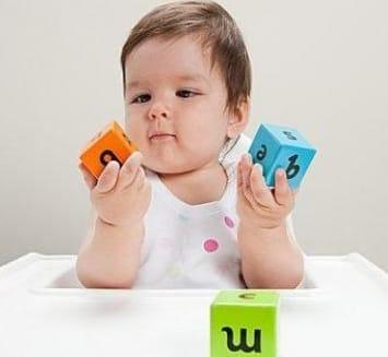 tipo de brinquedos para bebês
