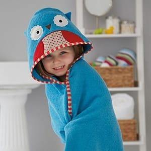 A toalha de banho infantil