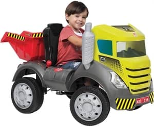 Caminhão Brutus com caçamba Bandeirante