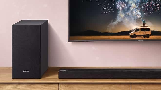 soundbar no lar, uma TV