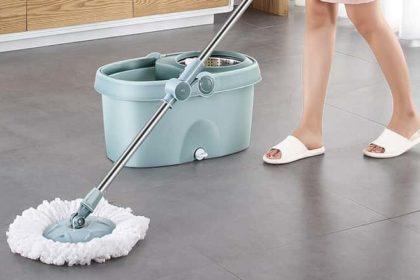 um doméstico usando mo giratório em casa