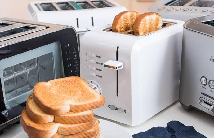 duas torradeiras, pão