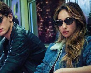 dois modelos usando óculos de sol femininos e masculinos