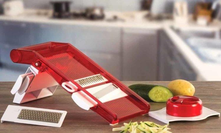 cortador de legumes em cozinha