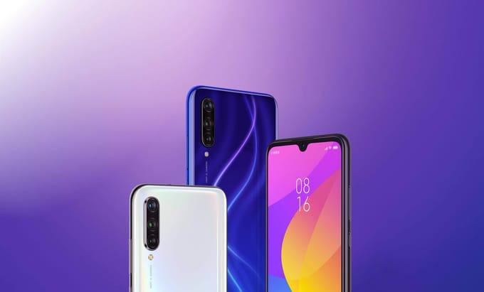 três celulares xiaomi