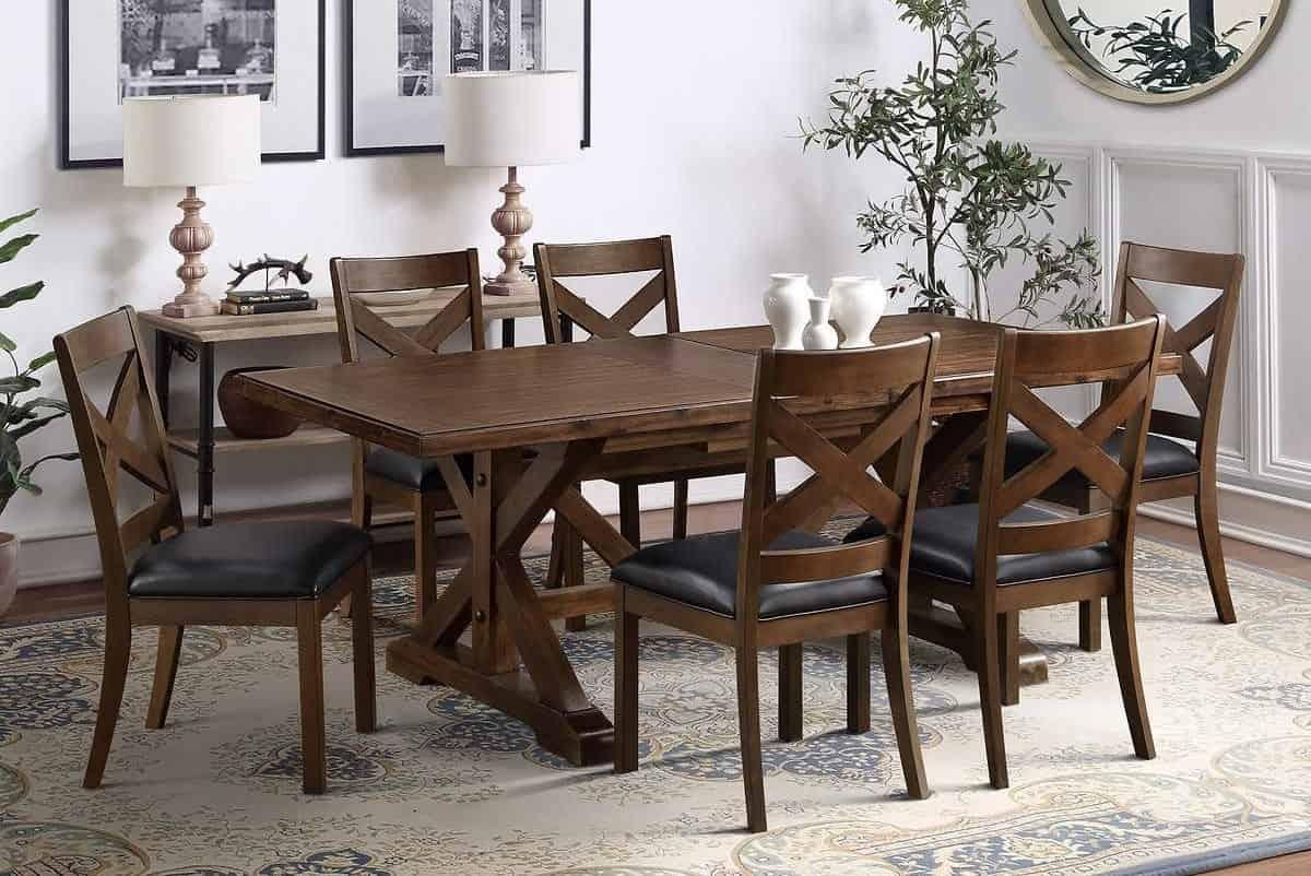 sala de jantar decorada, mesa e cadeira