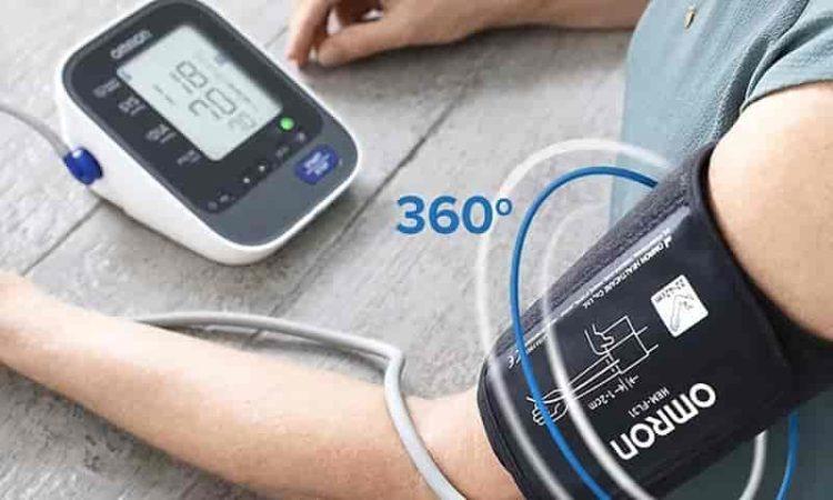 Como usar aparelho de pressão digital para monitorar hipertensão
