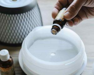 usar óleo essencial com difusor